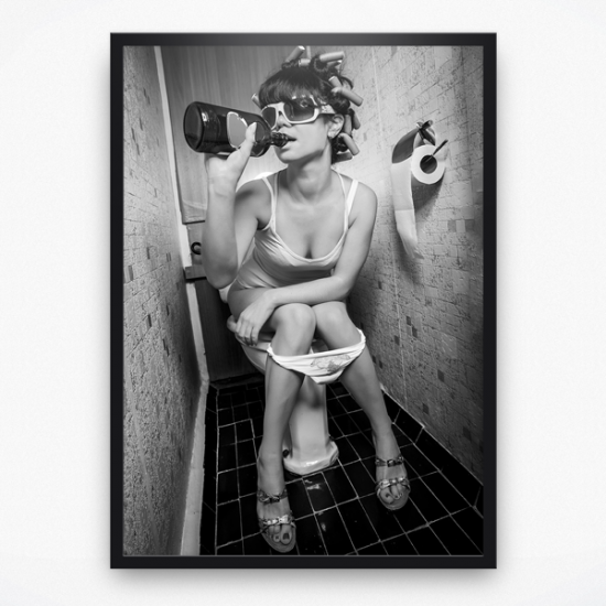 Poster - Lady on toilet drinking black white